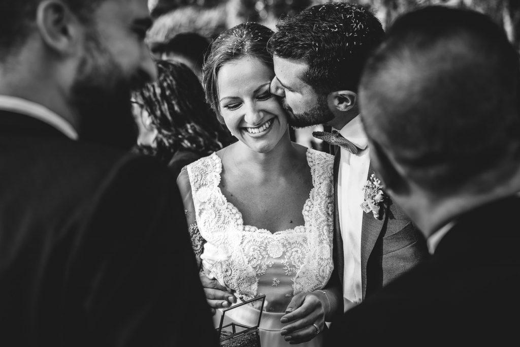 Photographe de mariage Paris France champêtre bohème chic émotion